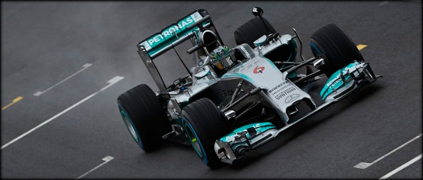 Mercedes-Benz-360-Degree-Video-Mercedes-AMG-Petronas-F1-W05-image-2