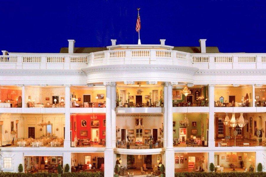 miniature-white-house
