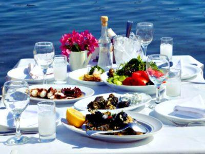 Τα 10 πιο νόστιμα ελληνικά πιάτα
