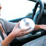 Γιατί χαμηλώνουμε το ραδιόφωνο του αυτοκινήτου