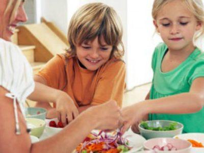 Λάθη γονιών όταν ταΐζουν τα παιδιά τους