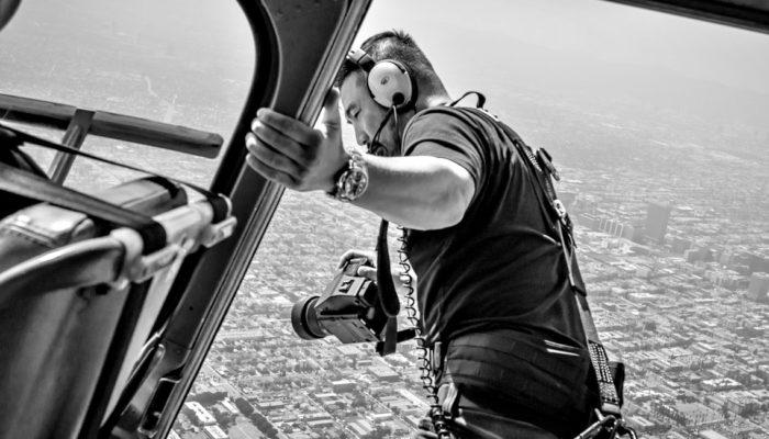Η τρέλα του φωτογράφου πάει στα ελικόπτερα
