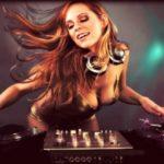 Οι πιο sexy dj στον κόσμο με light ενδυμασίες