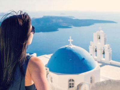 Ρεκόρ αφίξεων τουριστών αναμένεται φέτος