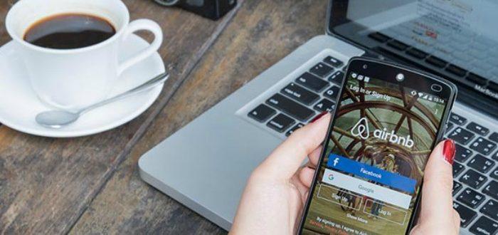 Προπληρώνει τους οικοδεσπότες η Airbnb