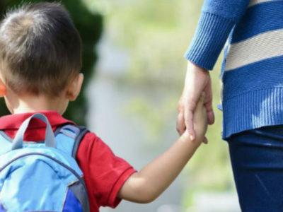 Χτυπά το πρώτο κουδούνι στα σχολεία