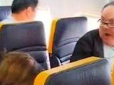 Σάλος με ρατσιστική επίθεση επιβάτη της Ryanair