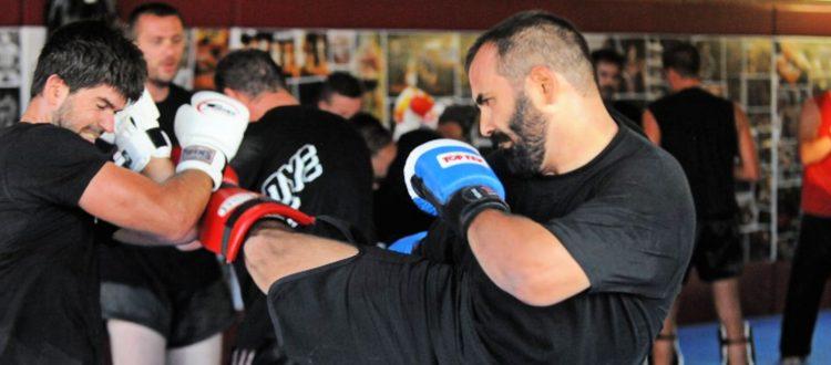 Στροφή προς τα μαχητικά αθλήματα