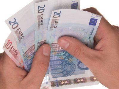 Στα 650 ευρώ ο κατώτατος μισθός
