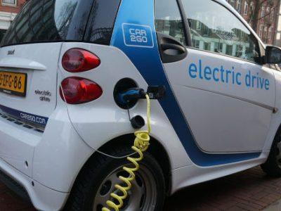 Αυξανόμενη η ζήτηση για ηλεκτρικά αυτοκίνητα