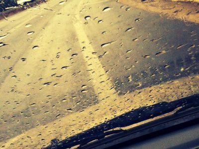 Χρήσιμα tips για οδήγηση με βροχή
