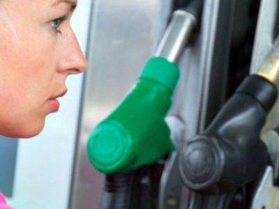 Tips για οικονομία βενζίνης στις διακοπές