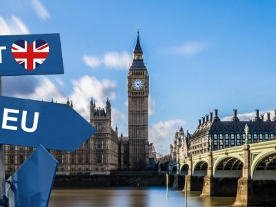 Brexit πάση θυσία