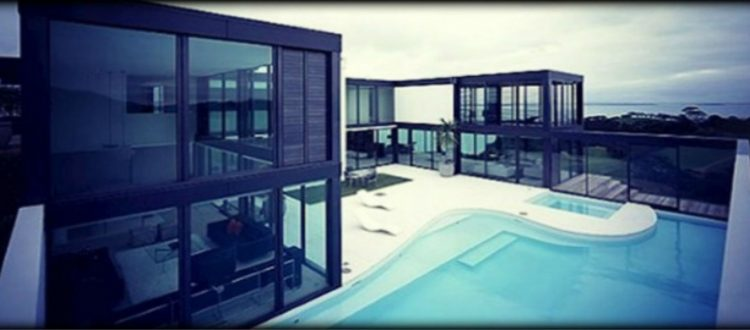 Εντυπωσιακά γυάλινα σπίτια