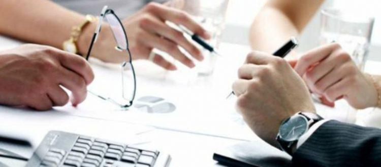 Αυξήσεις σοκ για 8 στους 10 επαγγελματίες