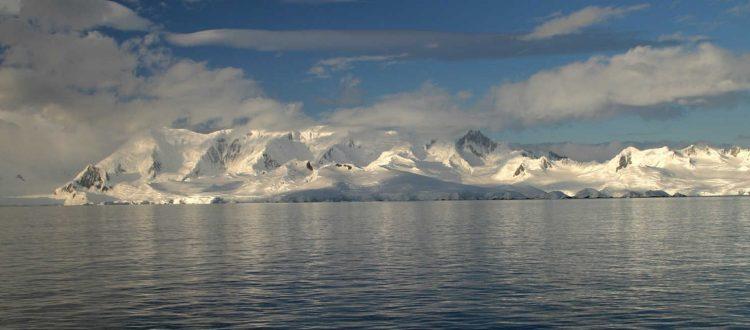 «Συρρικνώνονται» δραματικά οι πάγοι της Ανταρκτικής