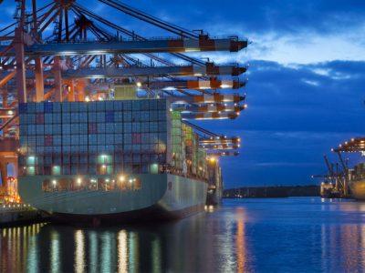 Πάνω του 9% η πτώση στις εξαγωγές