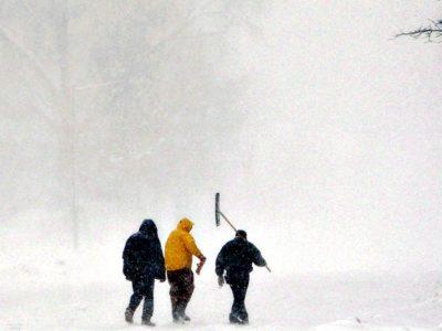 Ο Ηφαιστίων σφυροκοπά τη χώρα με χιόνια