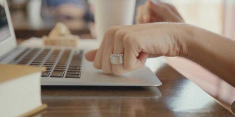Το έξυπνο δαχτυλίδι για pc και κάρτες